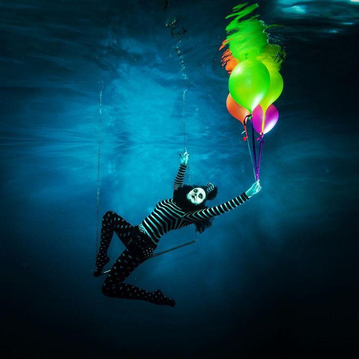 Stunning Underwater Portaits by Alastair Scarlett #inspiration #photography