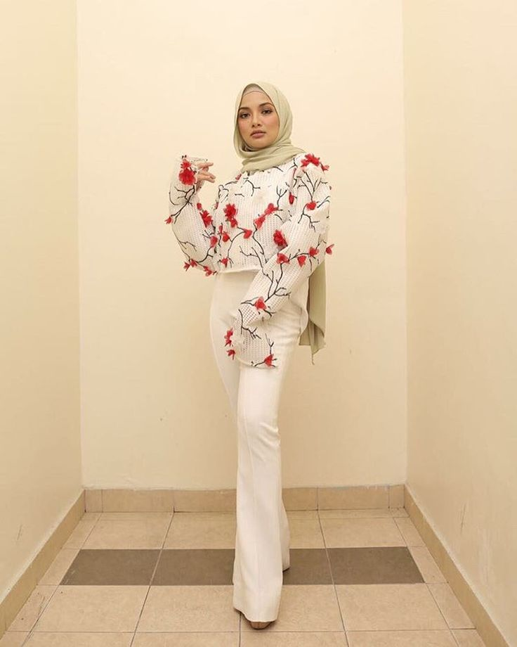 19k Likes, 153 Comments - Noor Neelofa Mohd Noor (@neelofa) on Instagram