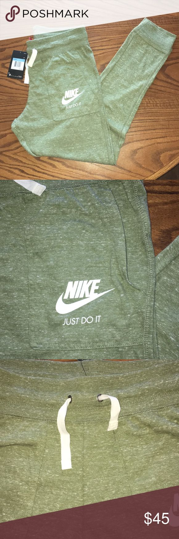 🆕Nike Sportswear Vintage Gym Pant Joggers The Nike Sportswear Gym Vintage Women's Pants are made with super-soft, cotton-blend fabric for all-day comfort and lasting wear.  Benefits Lightweight, cotton-blend fabric feels soft and comfortable Rib waistban http://feedproxy.google.com/fashionshoes1