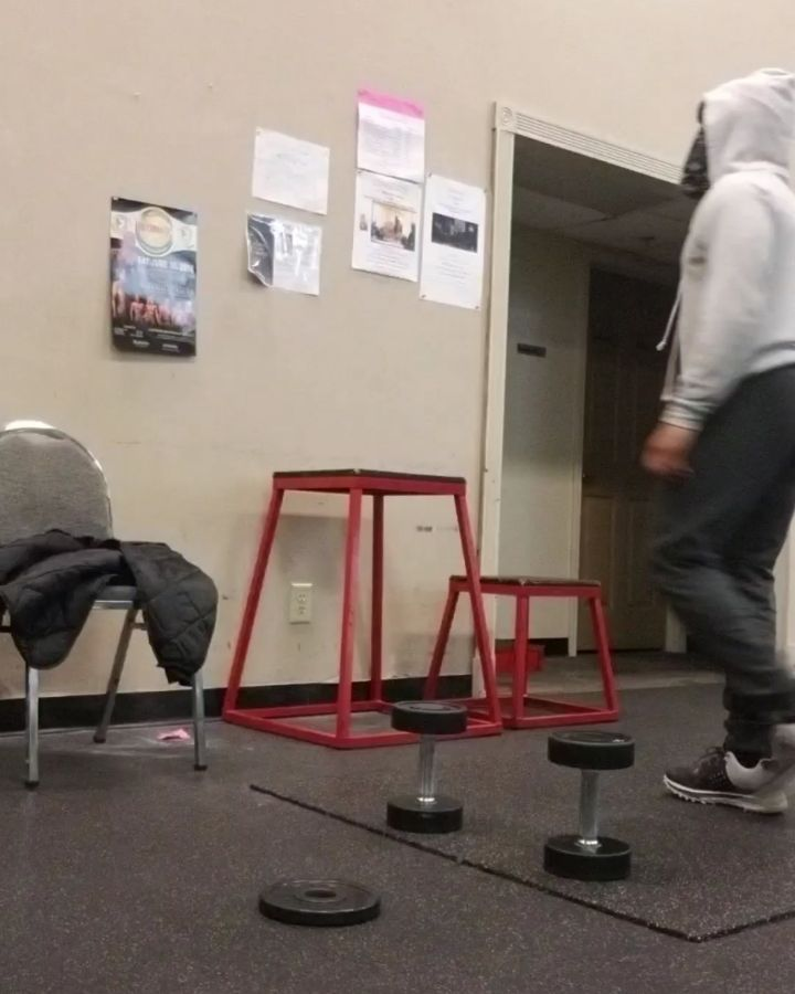 """#Gratitude #greatrising  @lyndz91 for the Lil kick I needed this rising.  #iam  The warm up 15 min timer  5 box jumps/ your version  5 burpee rows/ your version  5 ply push-ups/ your version  As many rounds as you can in 15 min rest when needed #hiit #yogahiit  song cred """"Winner Mentality""""  Stic.Man #rgbfitclub  #challegeyourself #grow #reachpastyourlimits #veganpower #eathealthy  #veganlife  #plantstrong  #plantbaseddiet #plantstrong #plantbased  #superfoods #Vegan #veganathlete #vegangainz…"""