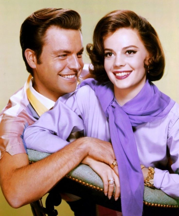 Nouvelles photos de nos couples STARS dans la vie... (de haut en bas) Joan FONTAINE and Alfred WRIGHT Jr / Natalie WOOD and Robert WAGNER / Ina Mäe SPIVEY and Gene AUTRY / Rita HAYWORTH and Prince Aly KHAN / Pier ANGELI and Vic DAMONE / Sophia LOREN and Carlo PONTI / Gloria De HAVEN and John PAYNE / Brenda MARSHALL and William HOLDEN