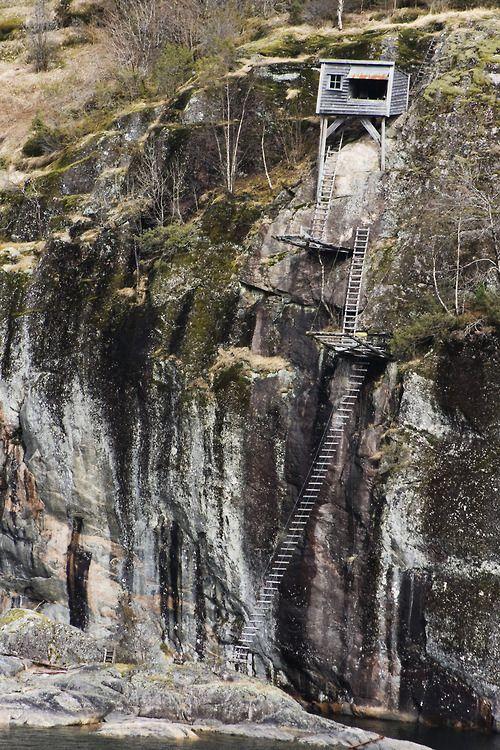 cabinporn:    Ladder House near Dale, Norway. Submitted byOlga Gladykowska.