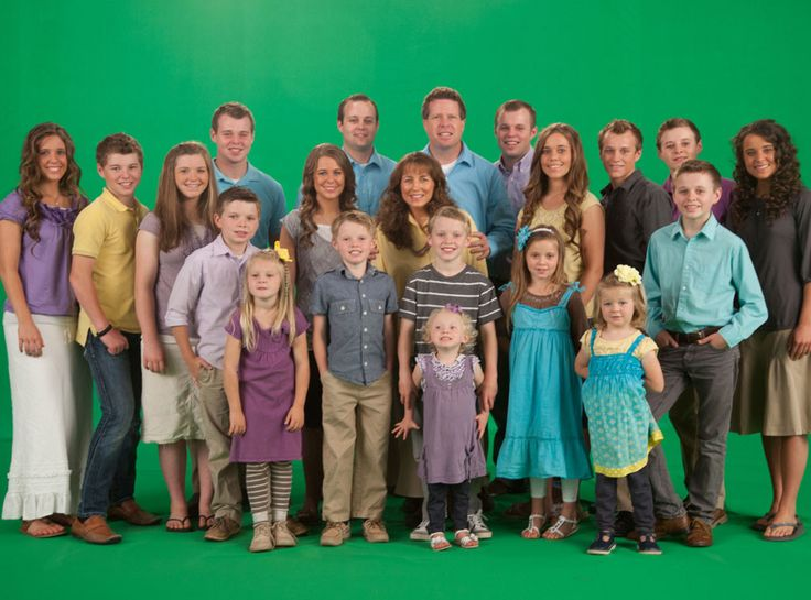 19 Kids and Counting Canceled by TLC | maybe the hypocrite Duggars should have done a better job raising them not just counting them!