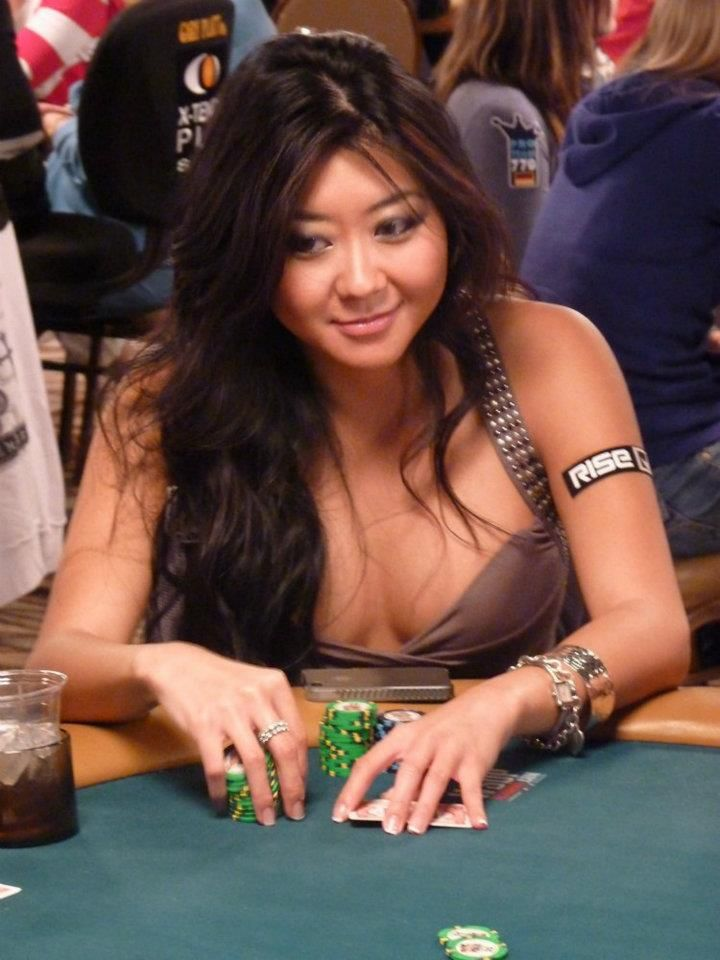 women poker players