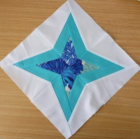 #FreeQuiltingPattern - Diamond Star Paper Pieced Block - click the image to get the free instant download!Piece Block, Quiet Plays, Quilt Block, Paper Piece, Design Quiet, Diamonds Stars, Stars Paper, Block Patterns, Quilt Pattern