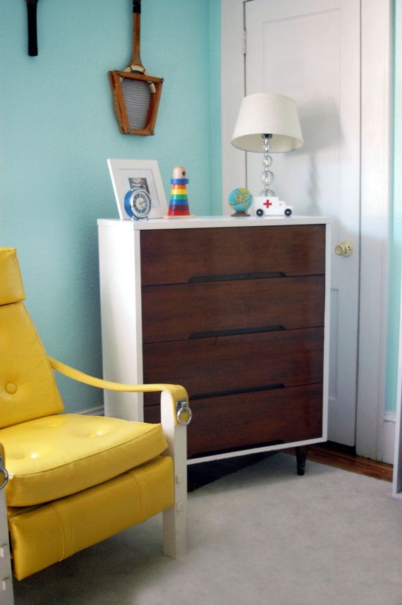 Mid Centry Modern Retro Chest of Drawers by thecopperlantana   200 00. 17 Best ideas about Modern Retro Bedrooms on Pinterest   Retro
