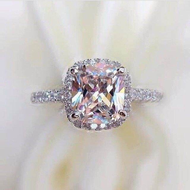 Love !!!! IF BIIIIIIIIGGG IF I ever get married again, I want a morganite ring