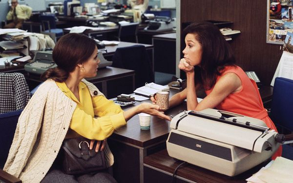 Plan to spend this year dressing like a boss? Read up on 7 movies and TV shows that did career wear right (Pictured: The Mary Tyler Moore Show)