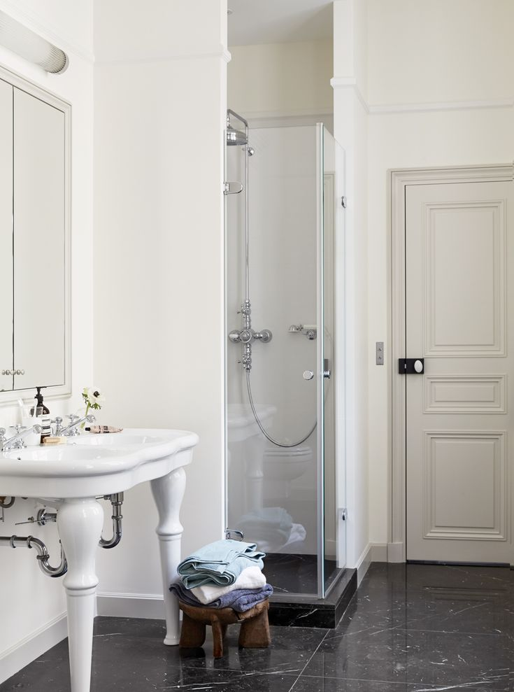 1000 Ideas About Parisian Bathroom On Pinterest Micro Apartment Paris Themed Bedrooms And