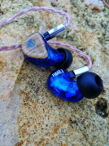 FIBAE 2 is a dual-driver mid-level IEM utilizing the world's first, patent pending, Flat Impedance design.