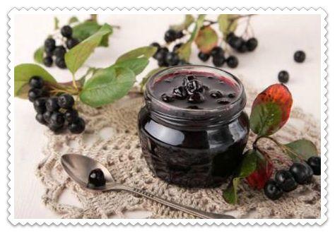 Много проверенных рецептов заготовок на зиму из черноплодной рябины. Изюм в…