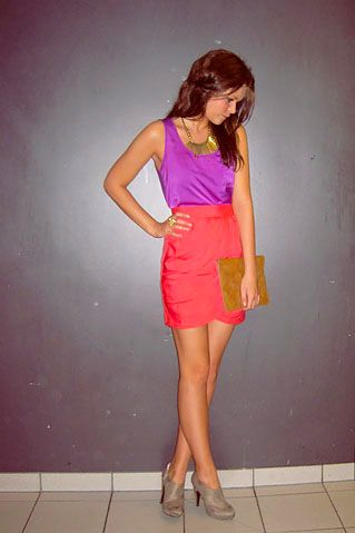Fun, colorful, and chic evening attire. Very cute.