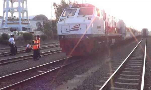 PT.INKA Luncurkan Kereta Kelas Ekonomi
