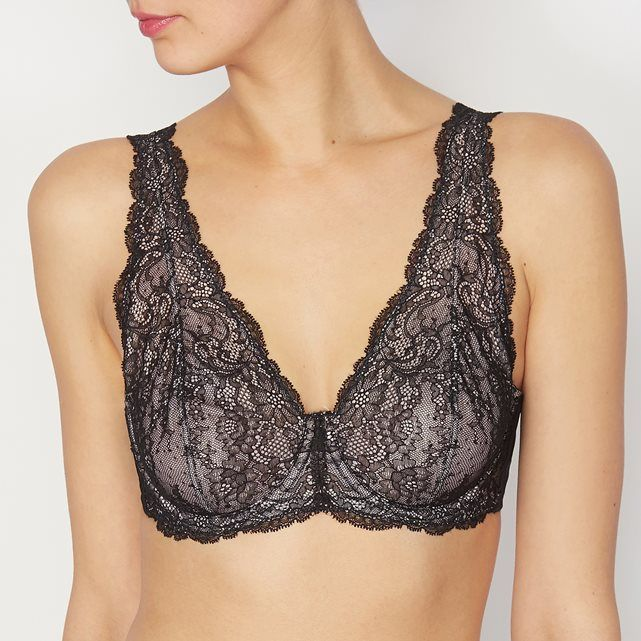 Underwired minimiser bra. Lace front and back. Adjustable straps. Back hook fastening.Fabric content & detailsFabric 82% polyamide, 18% elastane. Microfibre 77% polyamide, 23% elastane. Powernet lining 87% polyamide, 13% elastane. 100% polyamide tulleBrand LOUISE MARNAY Care adviceMachine washable with similar colours at 30° on a delicate cycle. Preferably in a mesh laundry bag.Do not tumble dryDo not iron