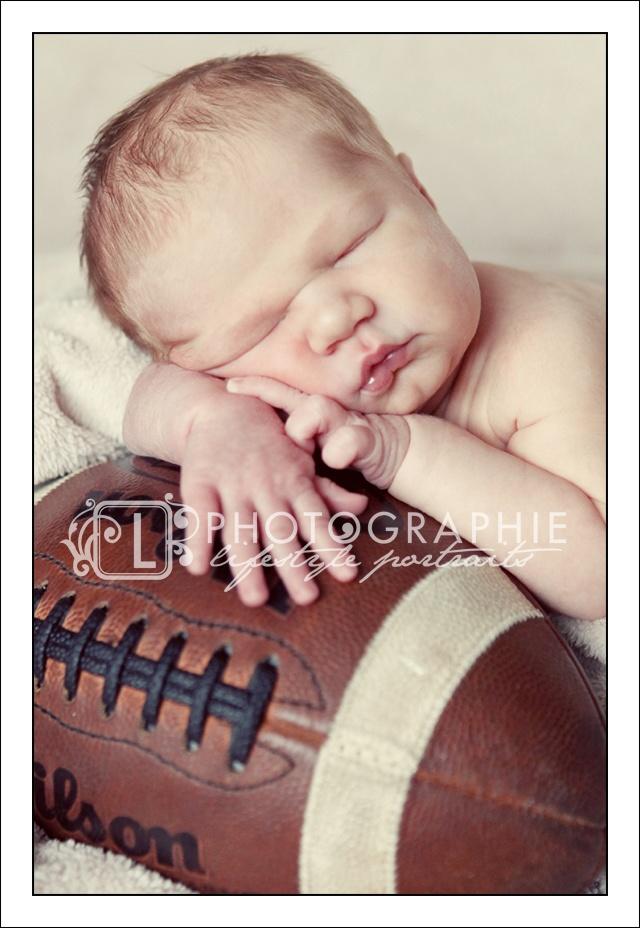 footballFootball Baby Pictures, Baby Football Pictures, Baby Photography Football, Cute Ideas, Newborns Football Pictures, Babies Pics, Footballbabi Boys, Baby Boys, Baby Photos