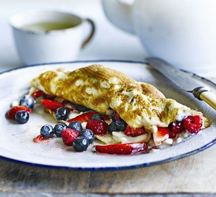 Berry omelette. A one-egg omelette makes a high protein breakfast. If the brain-boosting berries aren't sweet enough, add 1 tsp honey