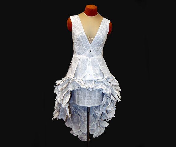25 Creative Dresses Made From Paper - AntsMagazine.Com
