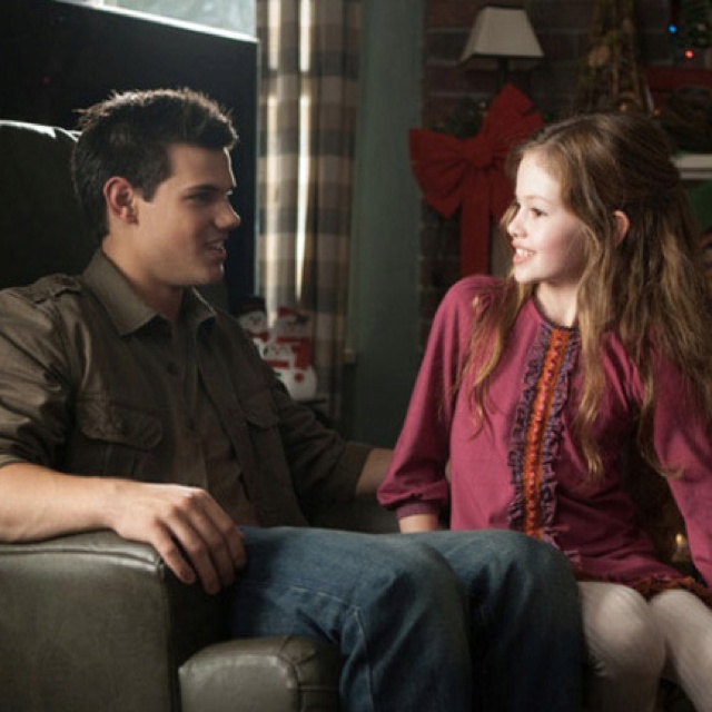 Jacob and Renesme breaking dawn part 2!!!!!!!