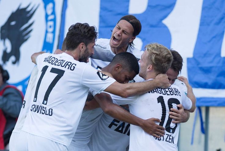 Jubel beim 1. FC Magdeburg | Bildrechte: Sportfotos MD (Possiencke/Seidler)
