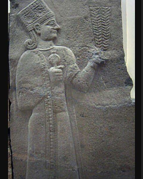 Y aquí Kubaba diosa madre venerada en el Imperio Hitita,  diosa de tierra fértil , de la naturaleza, será la Cibeles de época romana #hititas #anatolia #diosa #madre