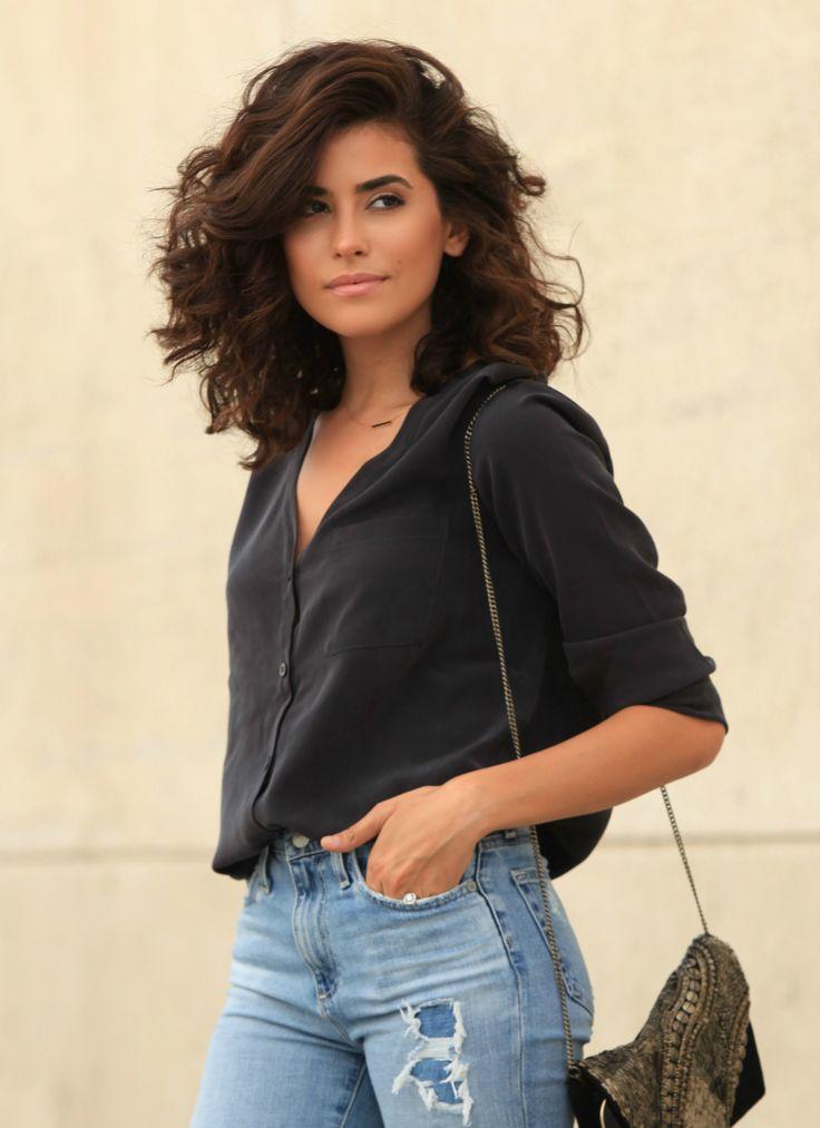 sazan hendrix big curly hair | denim style, alexa chug ag jeans, ag jeans, blogger, street style ...