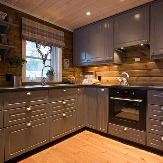 Familiehytta modell FH 145 Osensjøen med kjøkken fra IKEA! #familiehytta #hytte #hyttekos #nyhytte #ikea #interiør #kjøkken #hyttekjøkken