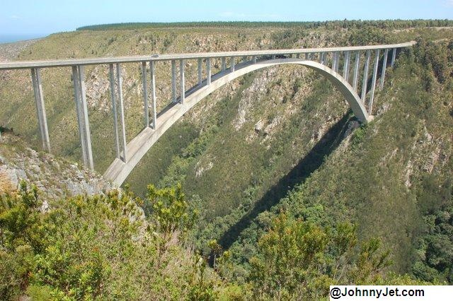 Bloukrans Storms River Bridge -- one of the world's highest bungee jumps (216-meters = 708 feet)! http://vintage.johnnyjet.com/folder/archive/WheresJohnny012320082.html