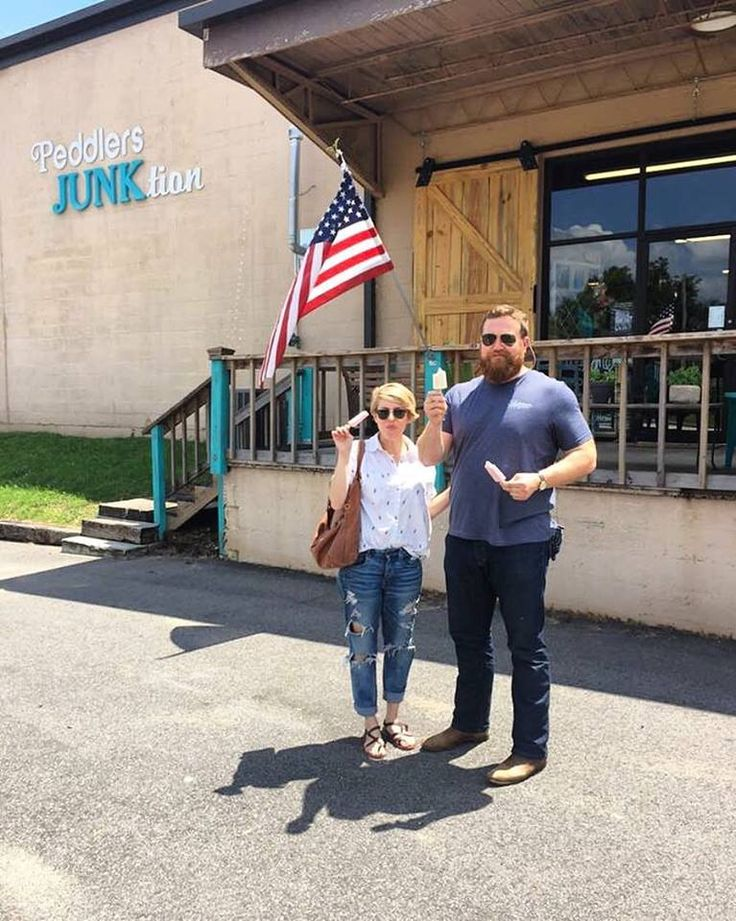 Our friends (& stars of #HGTVHomeTown) Erin and Ben Napier visited with us today at the JUNKtion! Enjoying LoblolliPop !! #iliveinLaurel