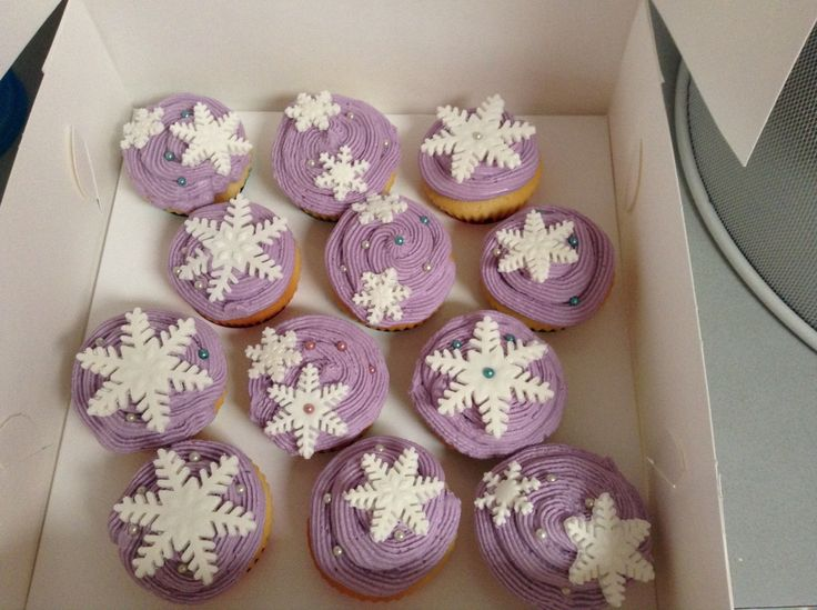 Frozen Themed cupcakes  Vanilla cupcake with Tutti Fruti flavoured icing