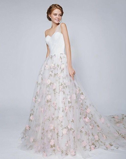 Gasp! So much love for this dreamy floral gown | Rico-A-Mona Bridal #ricoamona