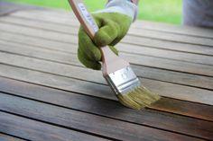 Rénover du mobilier de jardin avec lasure maison : huile de lin p + térébenthine