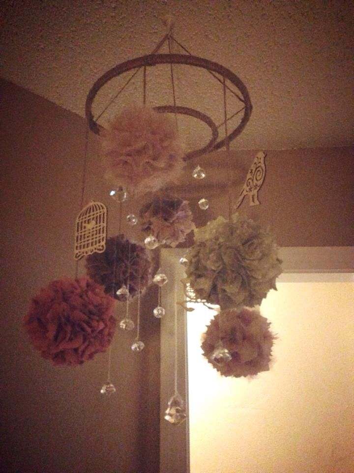 Made this mobile for Baby Liv's  Shabby Chic nursery ✌️