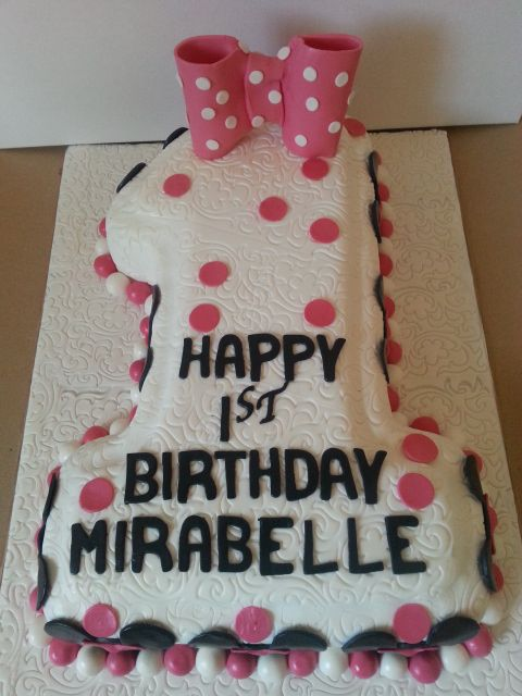 Minnie Mouse 1 cake by Sheila's Cake Creations Essex
