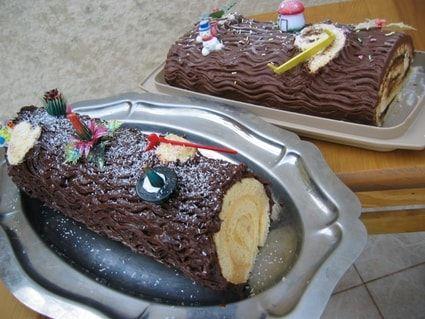 Bûche de Noël à la crème au beurre au chocolat noir et café