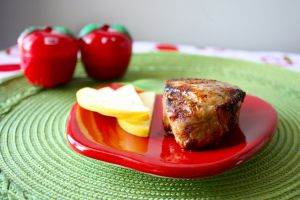 Mom's Broiled Pork Chops - try them for your next quick, easy weeknight meal!