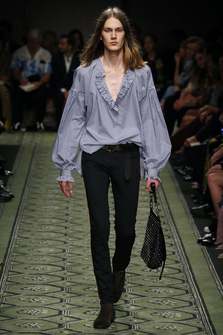Burberry   Ready-to-Wear Spring 2017   Look 10