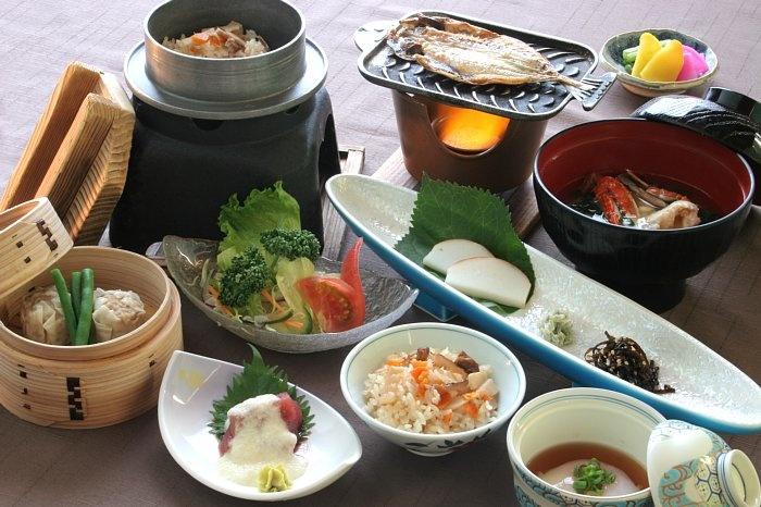 Google 画像検索結果: http://www.atami-juraku.co.jp/stay/img/ryouri2-8tyousyoku.jpg