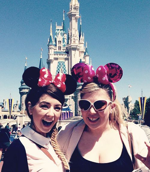 Zoella and Louise (Zoella and SprinkleofGlitter) at Magic Kingdom!