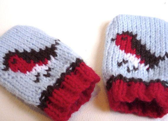 KNITTING PATTERNS baby mittens - Christmas knits  little robins  - newborn to 1 year- flat knitting