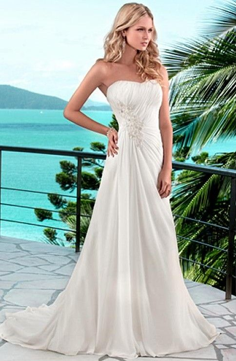 Beach Wedding Dress; Gorgeous!  I could see myself walking down the beach in this!