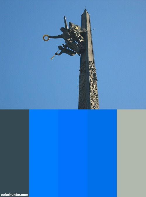 Ww Ii Memorial, Moscow Color Scheme
