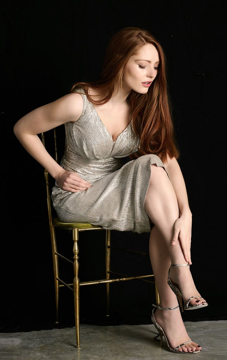 best dresses for busty women