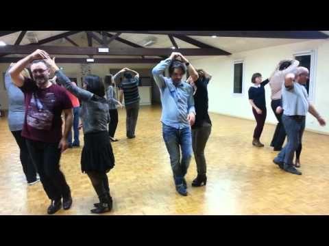 Cours de BACHATA débutant SACALA Parthenay novembre 2015  #bachata #cours #debutant https://tutotube.fr/danse-choregraphie/cours-de-bachata-debutant-sacala-parthenay-novembre-2015/