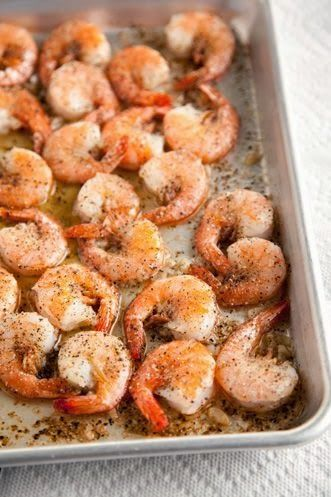 Black Pepper Shrimp - This is such an easy recipe for a crowd,,perfect for those busy weeknights. Except for my daughter, who hates black pepper