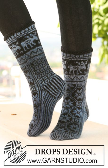 "DROPS socks with pattern in ""Delight"" and ""Fabel"". ~ DROPS Design"