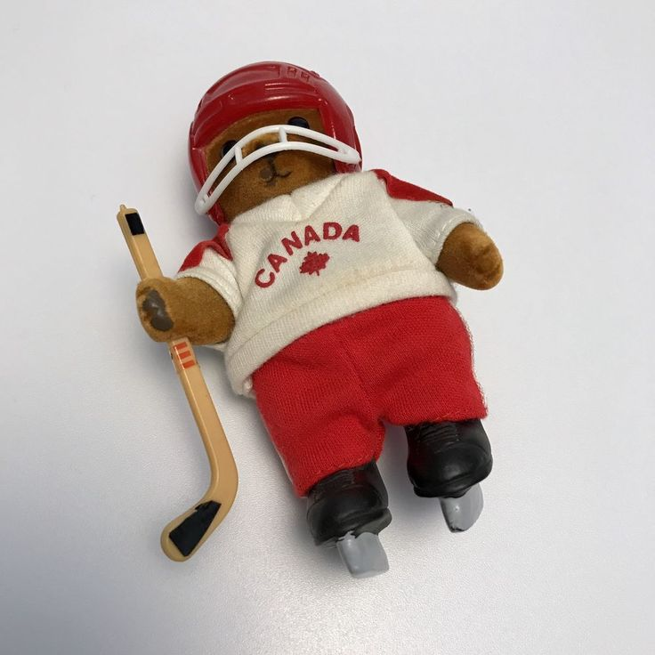 Vintage Canada Hockey Player Flocked Figure Like Sylvanian Mapletown Calico RARE  | eBay