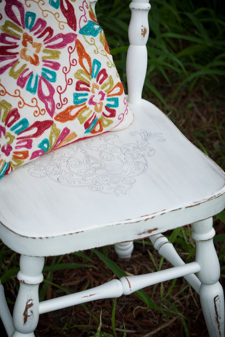 Distressed paint with a stencil motif. Satin finish. See Nine Stitches on Facebook for more pictures... https://www.facebook.com/pages/Nine-Stitches/1395225480724976