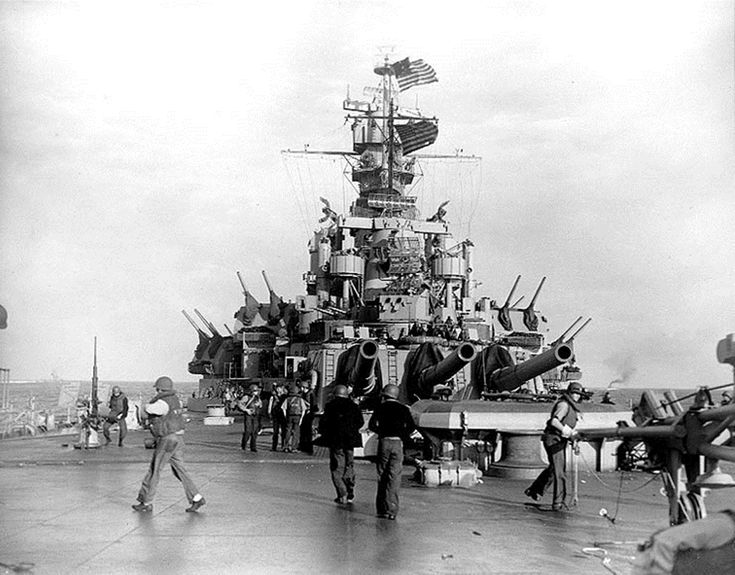 Image from the bow of the battleship USS Massachsetts shortly before the start of the Naval Battle of Casablanca on November 8, 1942. Read more: http://histomil.com/viewtopic.php?f=338&t=3918&start=1090#ixzz3SVd7LCuA