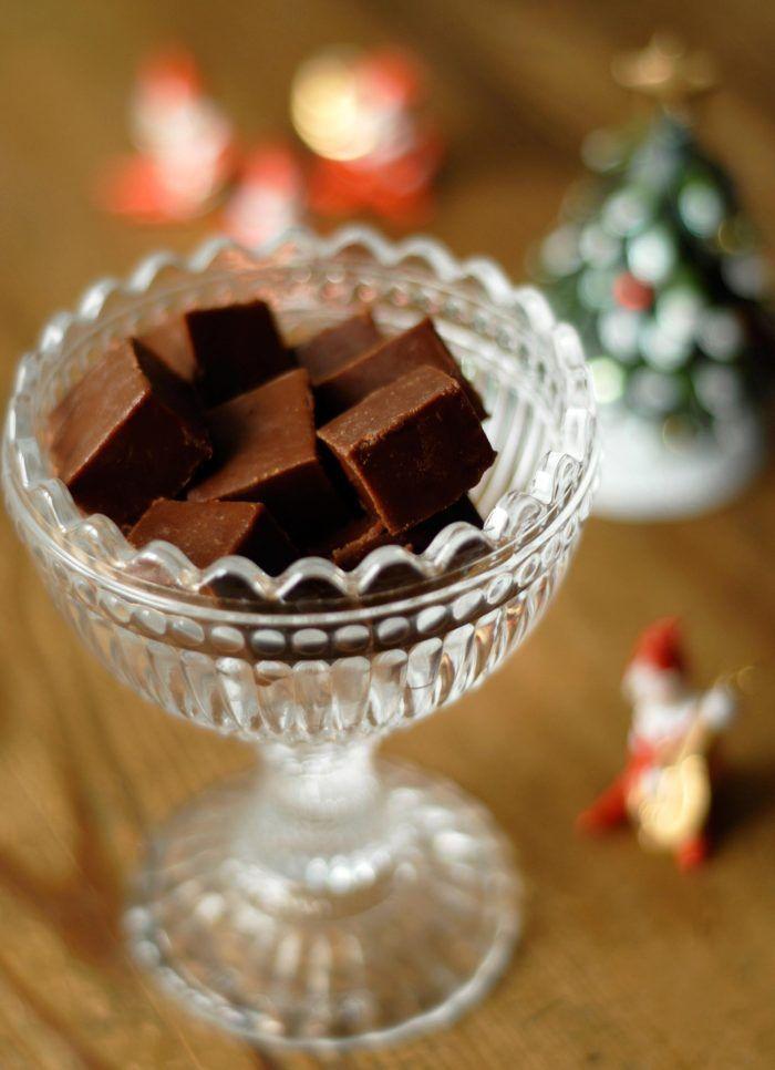 Julgodis – recept på mjuk chokladfudge