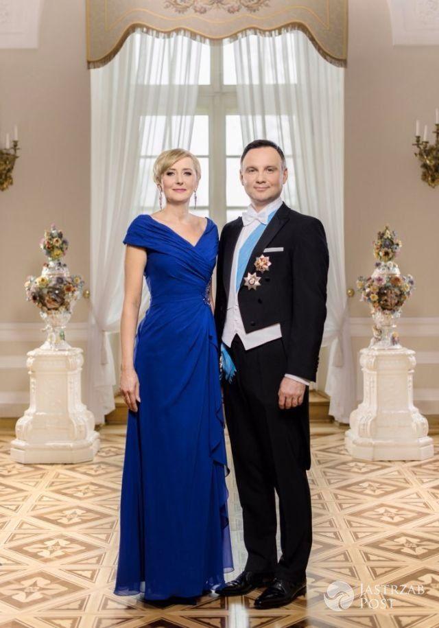 Oficjalne zdjęcie Agaty i Andrzeja Dudy, które wręczyli norweskiej parze królewskiej w prezencie podczas kolacji 23 maja 2016 :) Prezydent techniczny - gdziekolwiek nie pojedzie to lejce i tak są w Polsce :)